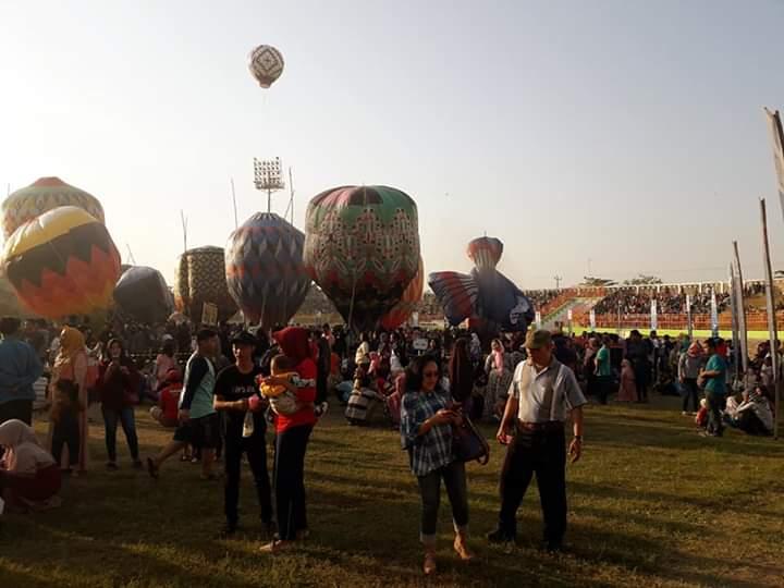 festival balon udara di pekalongan